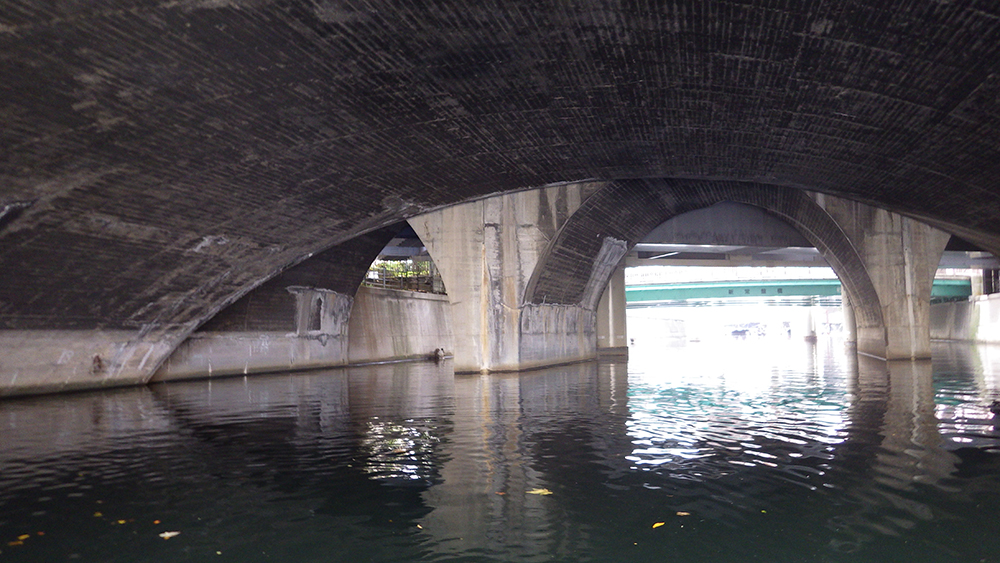 17.JR鉄橋水の神殿