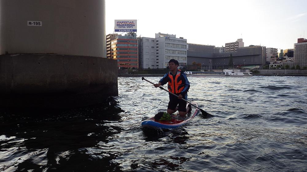 31.三角波にもまれる隅田川