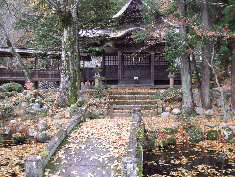 法華寺番神堂前の池