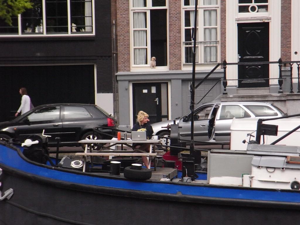 ハウスボートは若いひとたちにも人気の物件