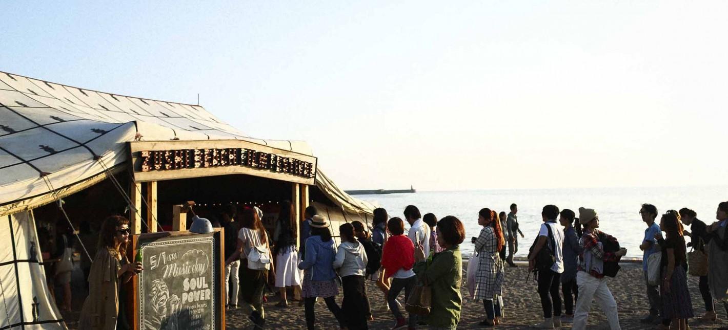 今年も逗子海岸映画祭がはじまりました。
