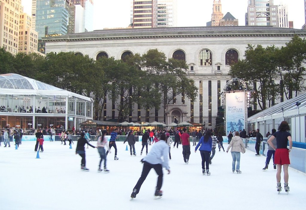 1280px-Bryant_Park_City_Pond_skating_rink_1