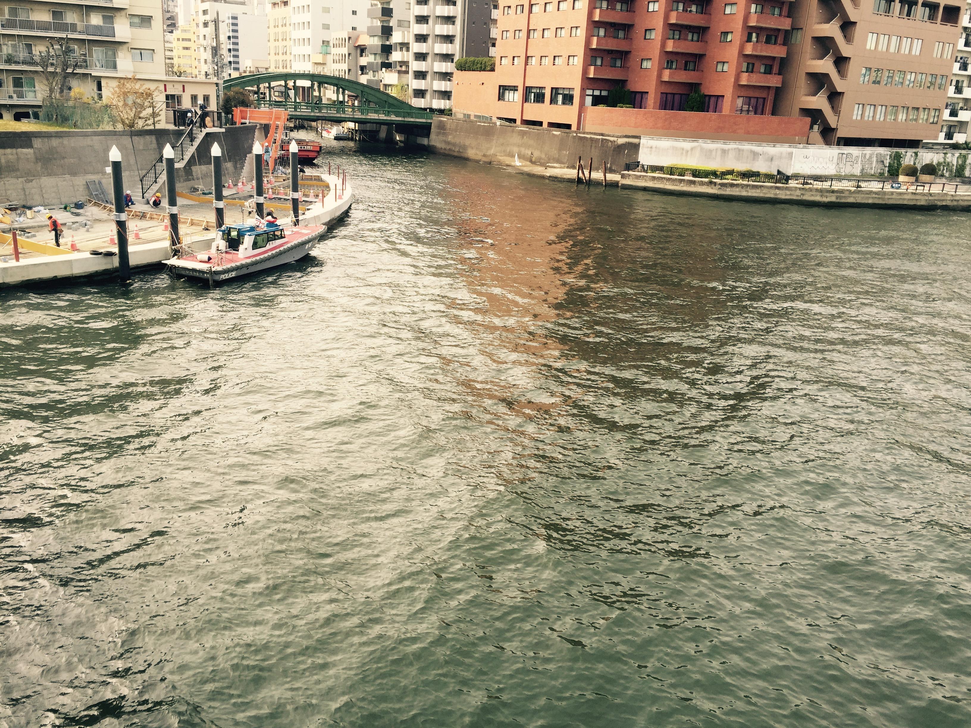 両国橋から神田川河口を望む
